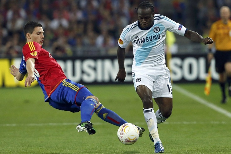 FC Basel 1-2 Chelsea - Victor Moses down the wing