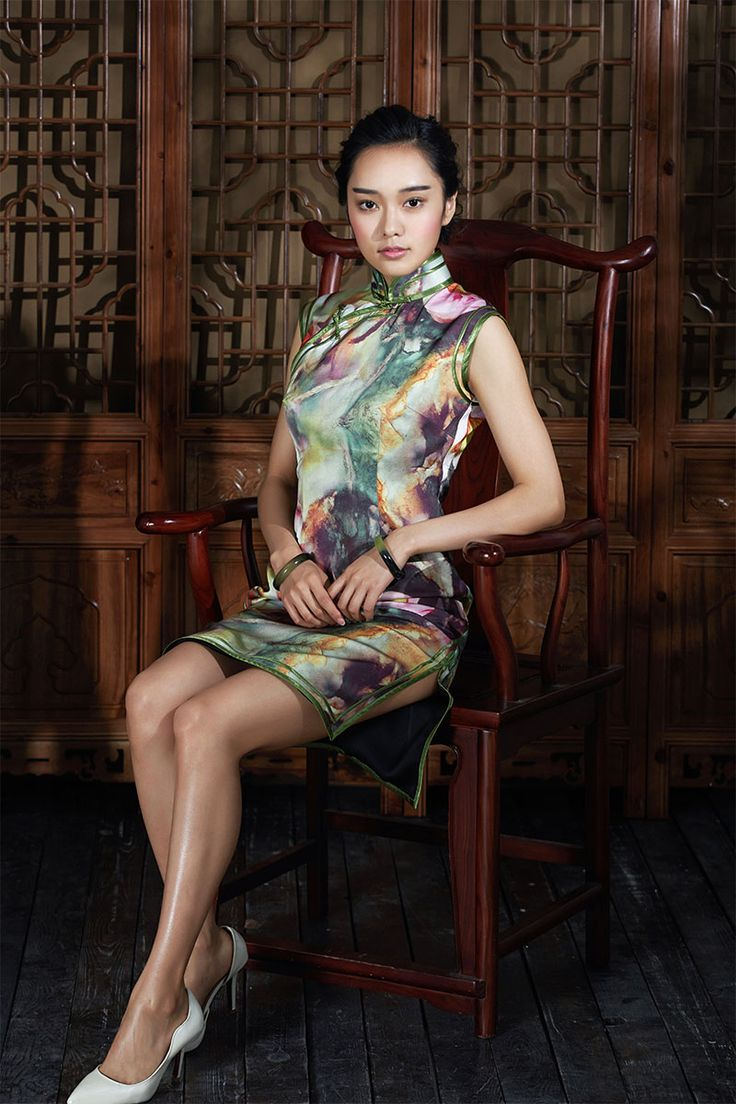New generation designers from China make traditional #Qipao #Cheongsam #MandarinDress even more elegant and tasteful than ever.
