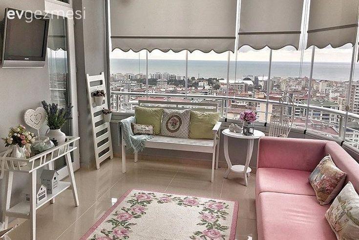 Pin By Sally On Home Styles In 2020 Balcony Decor Balcony