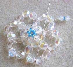 beaded snowflake schema http://www.ecrafty.com/casearch.aspx?SearchTerm=snowflake