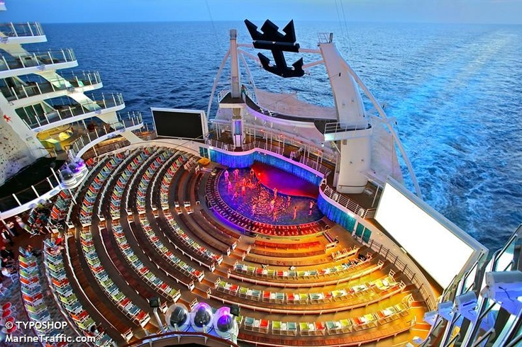 OASIS OF THE SEAS Aft open air theatre