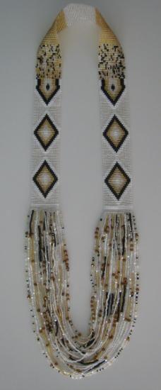 collar mostacilla checa  mostacillas,telar,hilo artesanal y aguja tejido,diseños