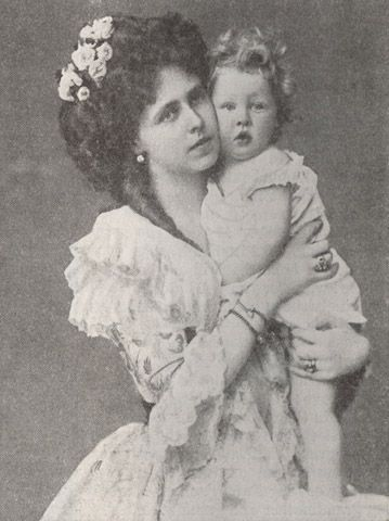 Queen Marie of Romania / The Saturday Evening Post - 26 May 1934
