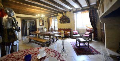 Salon de la Propriété avec Chambres d'hôtes et gîte à vendre à Vezac près Sarlat en Dordogne