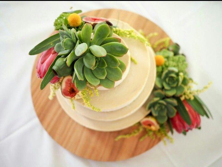 #weddingcake #birdseyeview #raw #vegan #glutenfree #fromthewild #adelaidecakemaker : shanti@fromthewild.com.au