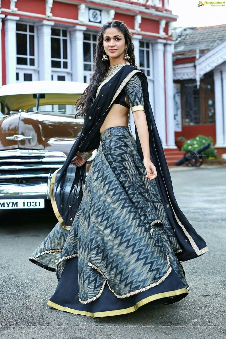 26 best navratri outfit images on Pinterest | Blouse designs, Indian ...