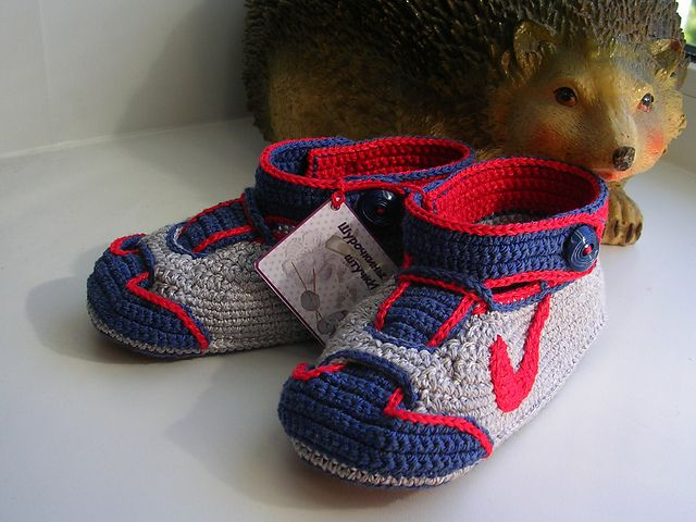 "Free pattern for ""Nike Baby Sneakers""...unfortunately it's in Russian which I don't understand! But I might be able to figure it out from pics."