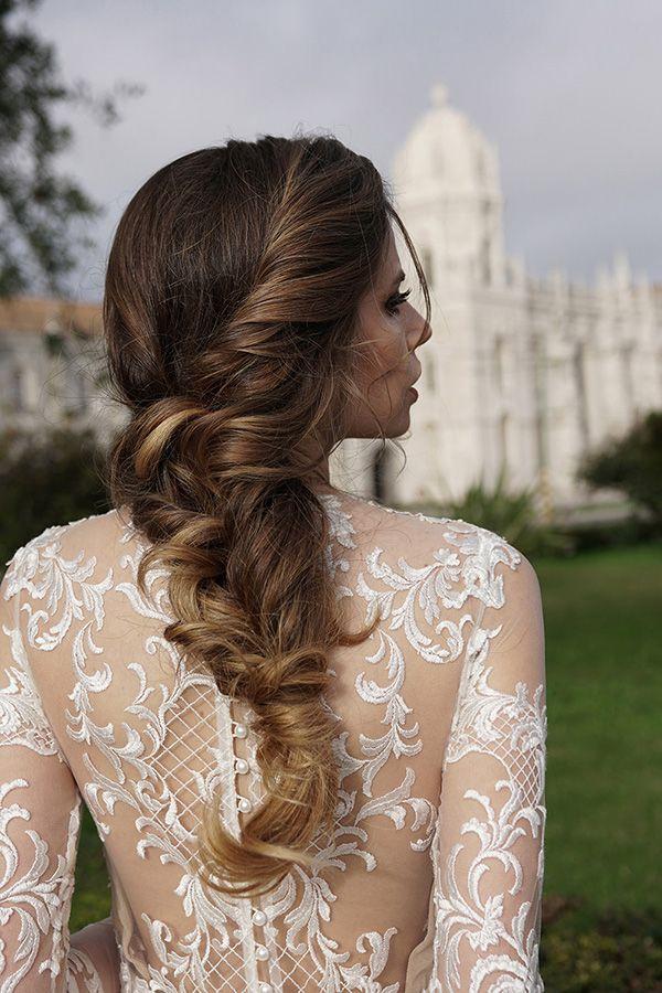 Penteado de noiva - Trança torcida com volume ( Penteado e maquiagem: Cris Moreno | Vestido de renda: Lucas Anderi )