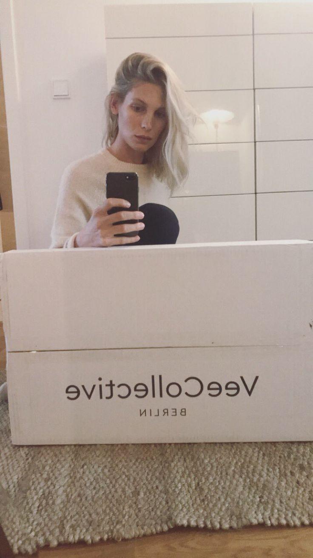 Sarah Brandner on instastory #model #actress #mirror #selfie #long #blonde #bob #haircut #hair #style