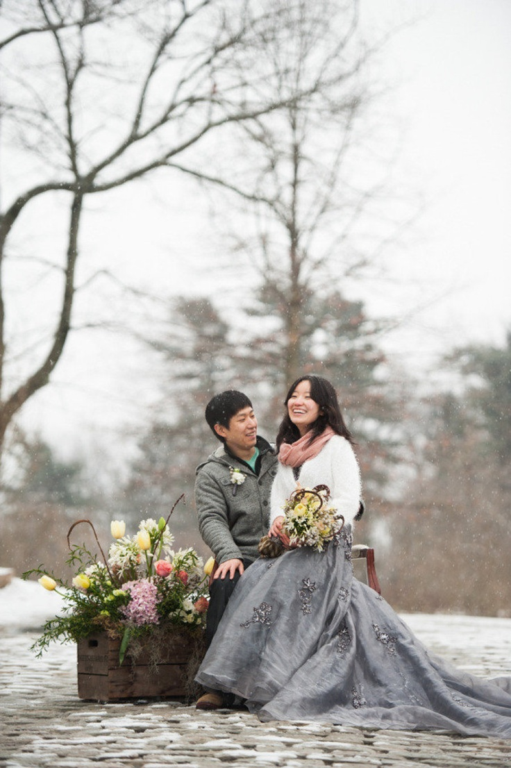 Love everything about this winter wonderland proposal!