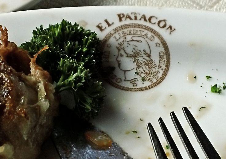 cordero patagónico asado, en El Patacón, San Carlos de Bariloche