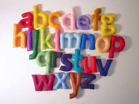 Les 25 meilleures id es de la cat gorie lettres en feutre - Lettres alphabet originales ...