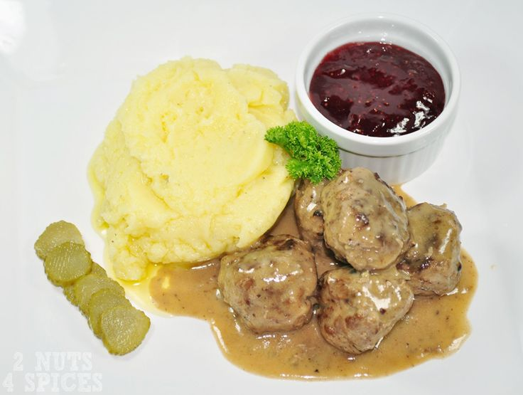 Almoôdegas suecas - Svenska köttbullar
