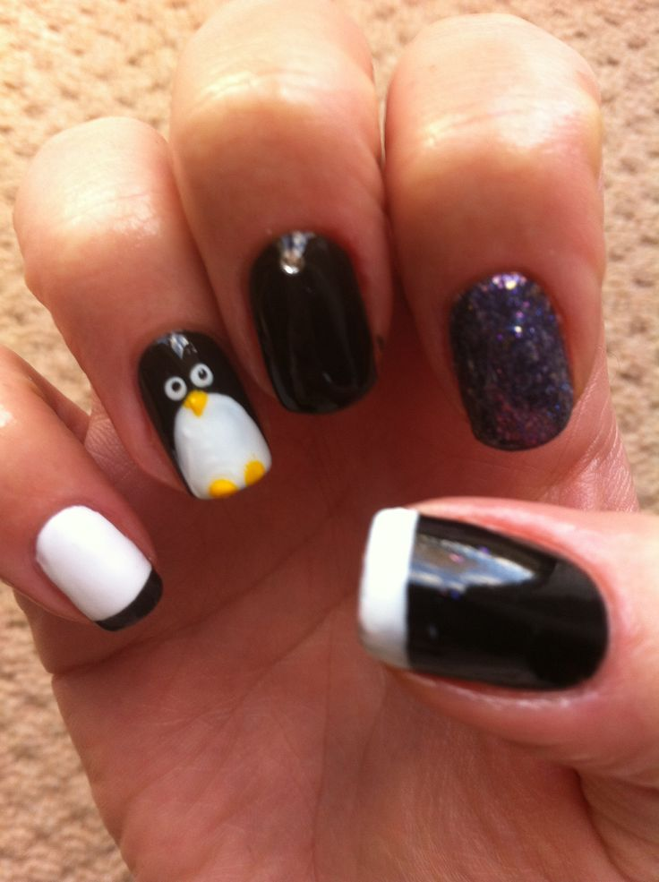 Christmas penguin Shellac nails
