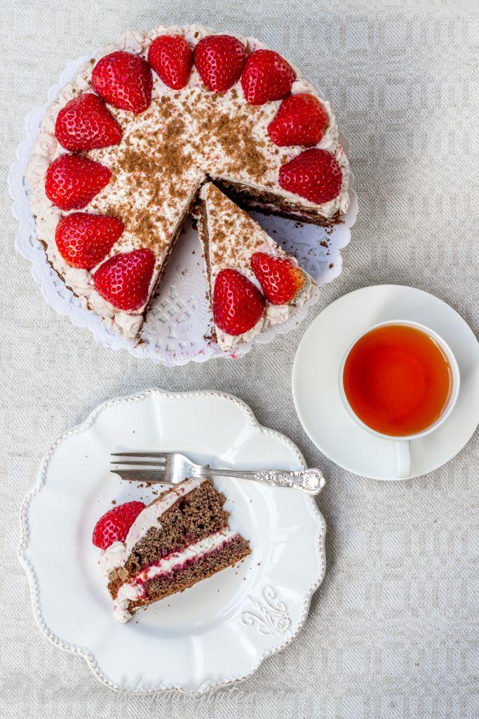 Черемуховый торт без глютена из смеси производства Гарнец