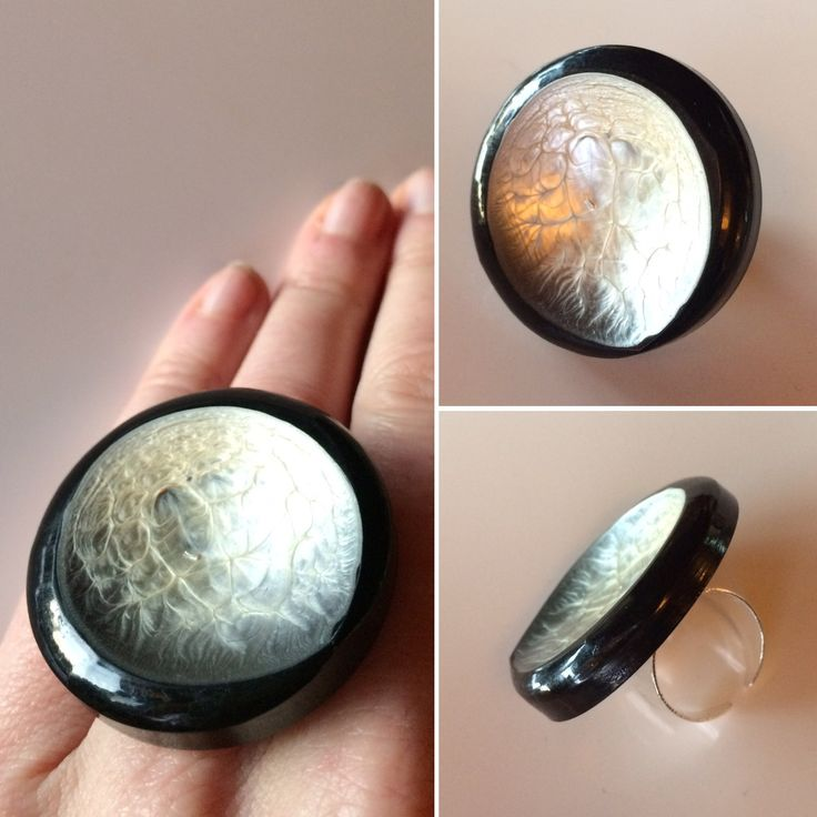 Wonder with the garment looked like, when the button looked like this... Ring made of an astonishing beautiful old button.