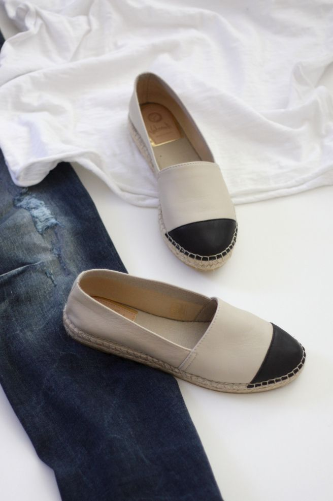 Homevialaura   casual style   Vidorreta leather espadrilles   ripped jeans   white t-shirt