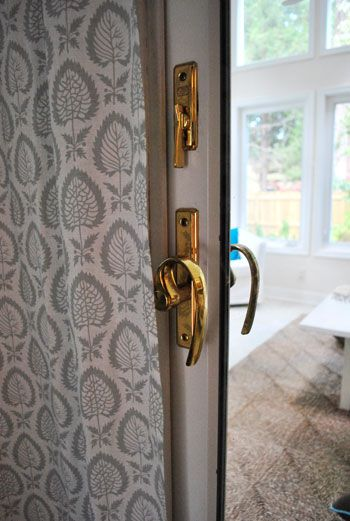 Great tutorial for spray painting door hardware #paint #tip | From Young House Love