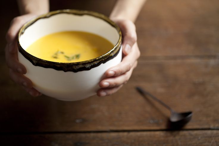 Har fire av disse og ønsker meg to til. Rin, Stone Dipped Donburi bowl, fine bone china made in England