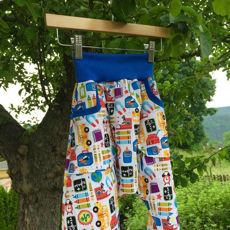 """dětské plátěné kalhoty ... KAPSÁŠE - KLUČIČÍ SVĚT dětské plátěné kalhoty se sníženým sedem, se dvěma kapsami na """"poklady"""" :-) - pohodlný střih, měkký materiál umožňující volný pohyb dětí, příjemný na nošení  kalhoty ve velikostech """"KLASIK"""" a """"SLIM""""  ... prosím měřte, míry v ..."""