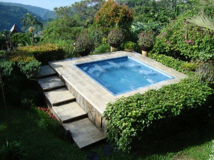 Whirlpool im Garten Outdoor Jacuzzi wird zum Blickfang