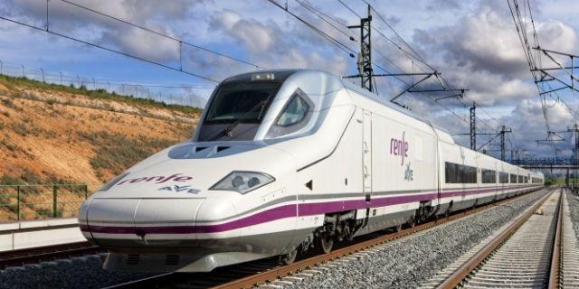 Tren AVE 'Patito', que va por Castilla y León - Destino Castilla y León