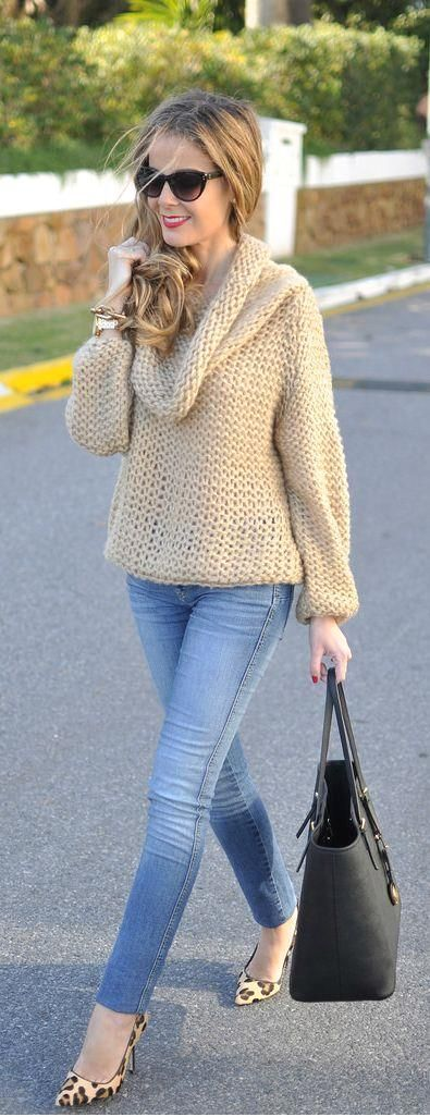 Street style for fall - gorgeous sweater with leopard pumps and denims