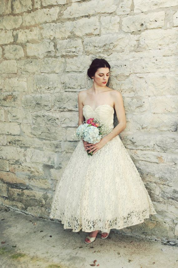1950s Tea Length Wedding Dress / Vintage Antique Ivory Lace