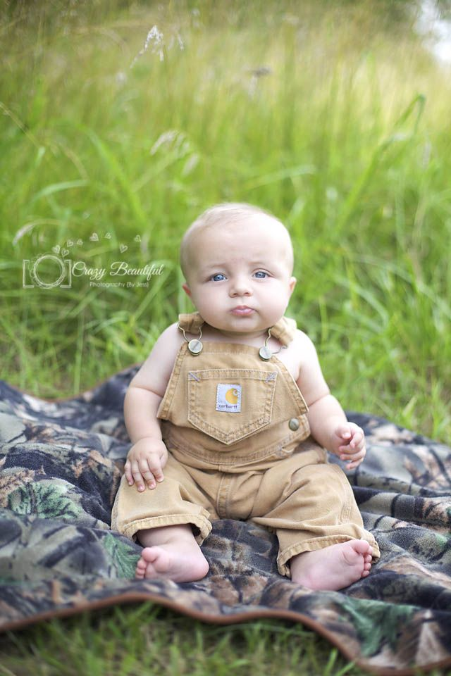 Need to do this for Josh`s 5month Pictures outdoors with  camo overalls