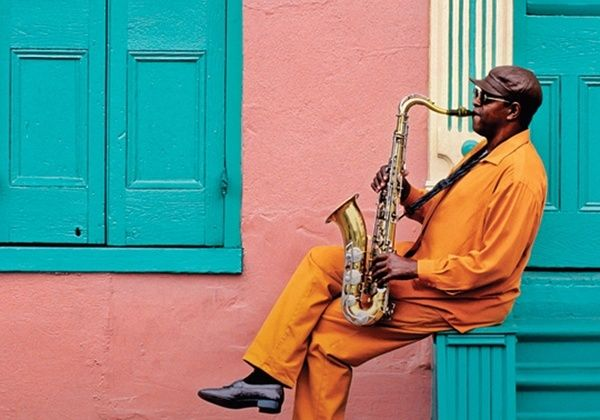 NEW ORLEANS is legendary for its entertainment ... music on street corners  in public parks ... exuberant club, cafe, music, and bar scenes