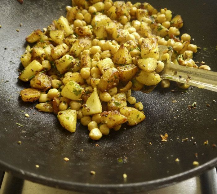 Kesudiós, csicseriborsós krumpli subji
