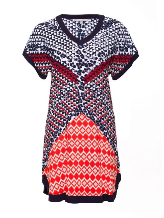 Get some colour splash in Yarra Trail Diamond Print Dress. #summer #fashion #curvyfashion #dresses