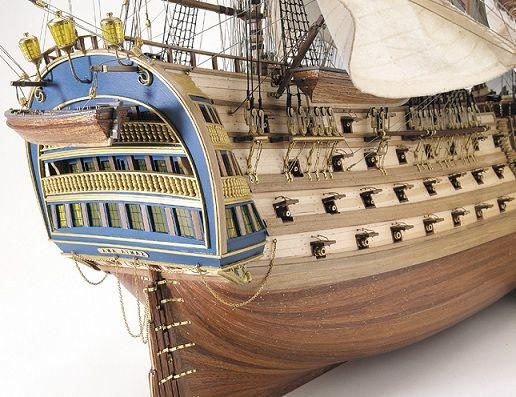 El navío Santa Ana, de tres puentes y 112 cañones, durante el Combate de Trafalgar iba al mando del capitán de navío Gardoqui y llevaba a bordo al teniente general Álava.