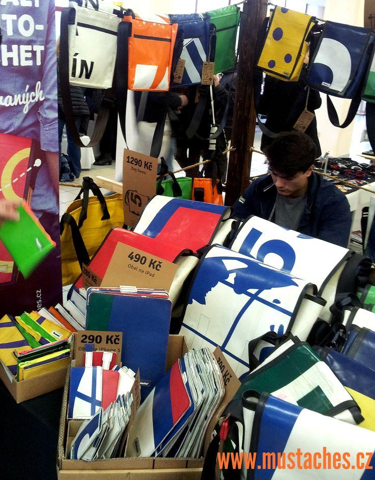 Holešovice Fashion Market: Lohas objevy tašky Mustaches