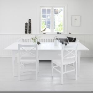 Margareta dining table