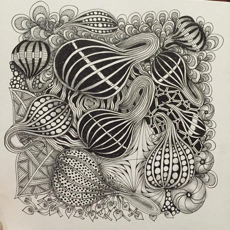 Practicing gourdgeous #zentangle #zentangleart #zentanglepattern #tangling @pikadillyfacepainting @pk