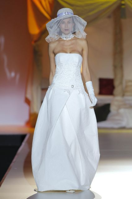 Pasarela Inmaculada García 2014: sofisticados y románticos vestidos de novia y fiesta [Fotos]