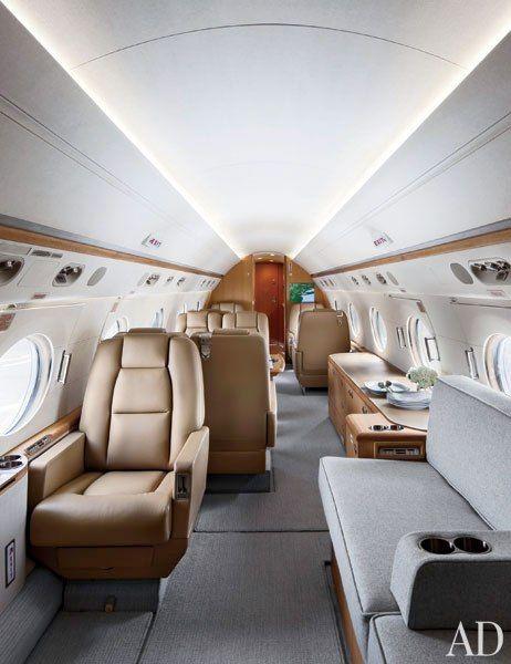 Interior of a Gulfstream G550 // by Shelton, Mindel & Associates