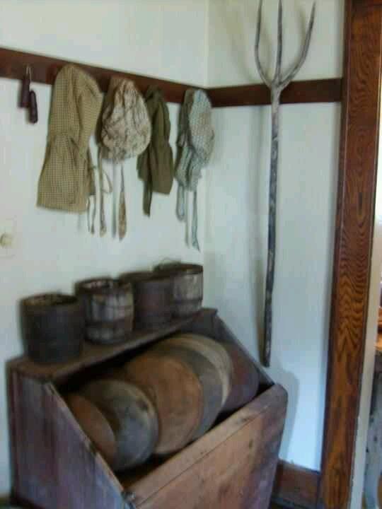 Bonnets and wood bowls.