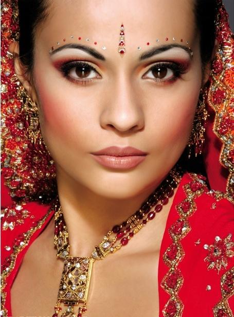 Makeup artist: Tina Prajapat Publication: Asiana www.hairmakeup.co.uk