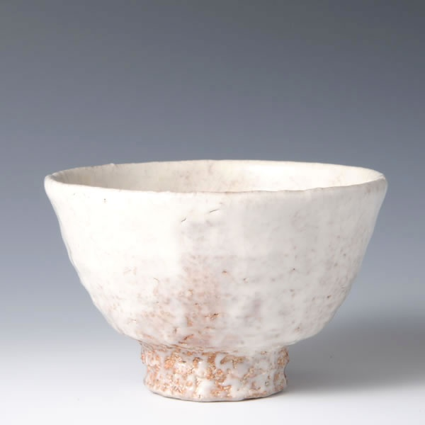 HAGIKOHIKI CHAWAN (Hagi Tea Bowl Covered with White Slip) TAMAMURA, Toyo (Hagi artist)