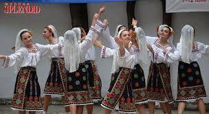 Картинки по запросу молдова национальный костюм