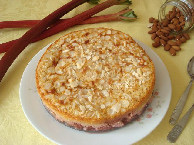 Strawberry and Rhubarb Cottage Pie | Jahodovo-rebarborový venkovský koláč - www.vune-vanilky.cz