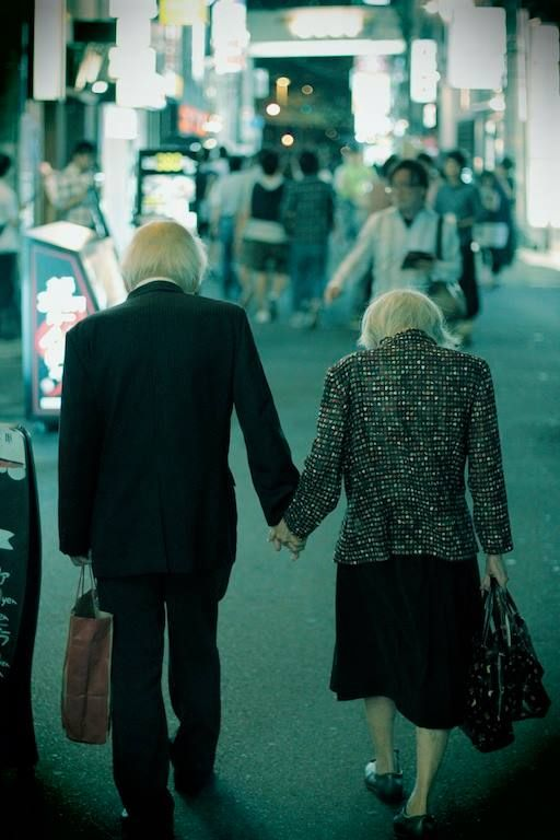 Love has no age and there is no age for love @Karen Aguilar Street Photography