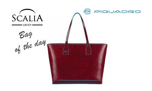 La Bag of the Day è la shopper Piquadro della linea Blue Square, femminile e funzionale #bagoftheday #piquadro