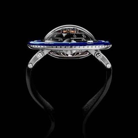 @mbandf da a conocer Horological Machine Nº 7 alias HM7 Aquapod. Una deslumbrante pieza cuyo diseño está inspirado en una medusa y su mecánica interior presume de poseer un movimiento de estructura vertical y concéntrica coronado por un tourbillon volante central del que parecen irradiar las indicaciones como ondas en un estanque. #mbandf #reloj #watch #time #tiempo #hora #medusa #mar #lujo #luxury  via ROBB REPORT MEXICO MAGAZINE OFFICIAL INSTAGRAM - Luxury  Lifestyle  Style  Travel  Tech…