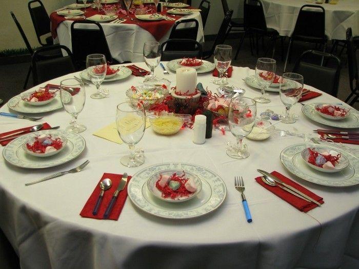Romantische Tischdeko Mit Bonbons Wie Herzen · Ideen Für  ValentinstagRomantischer ...