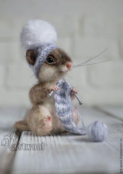 Felted mouse toy / Игрушки животные, ручной работы. Мышонок Помпончик.. Наталья Кузнецова (art-wool). Интернет-магазин Ярмарка Мастеров. Мышонок, вязание