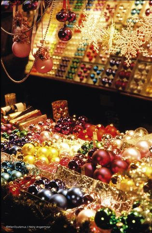 Christmas Markets in Vienna. OH MY GOODNESS! I would be like the child in the candy store!!!