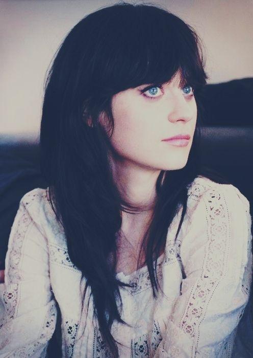 zoeey deschanel. I love her. Classy, funny, beautiful!